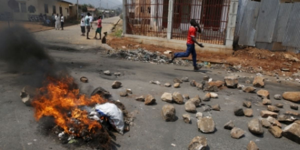 violence-spreads-in-burundi-as-fear-of-conflict-looms-1447088513.jpg